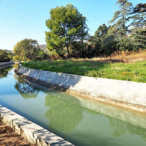 Canal de Marseille Principale source d'approvisionnement en eau potable de la ville de Marseille, le Canal en en service depuis 1849.